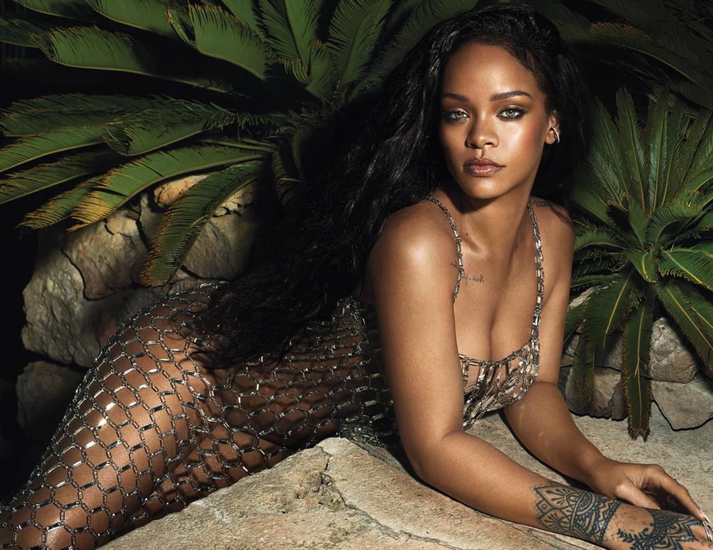 Rihanna-Vogue-2018