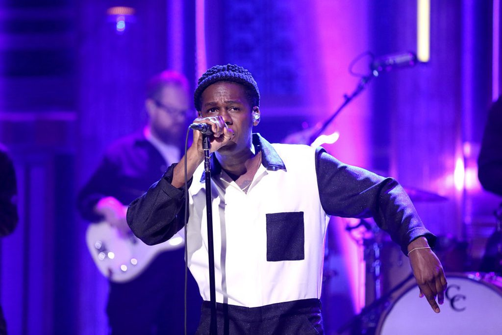 Leon-Bridges-Fallon