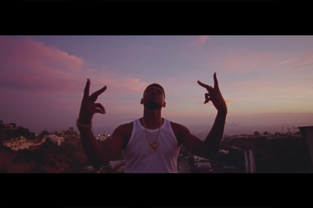 Usher-Peace-Sign